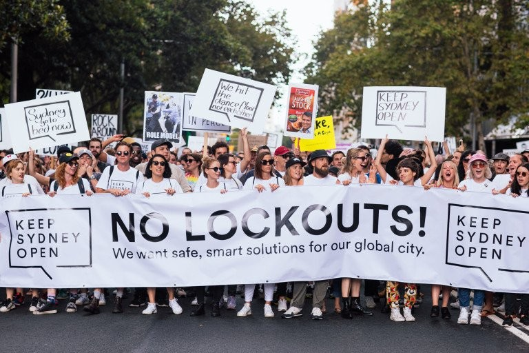lockouts-rally